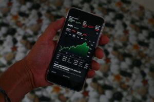 株価平均型指数と時価総額加重平均型指数どちらが世界の主流?