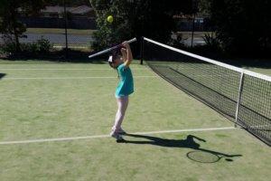 子供にテニスを習わせることについて